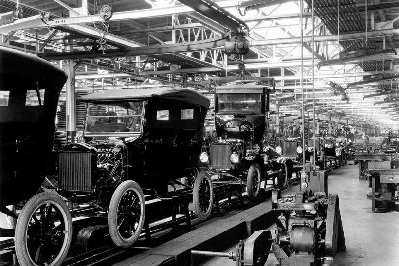 Ford model T üretim bantları, tek renk siyah